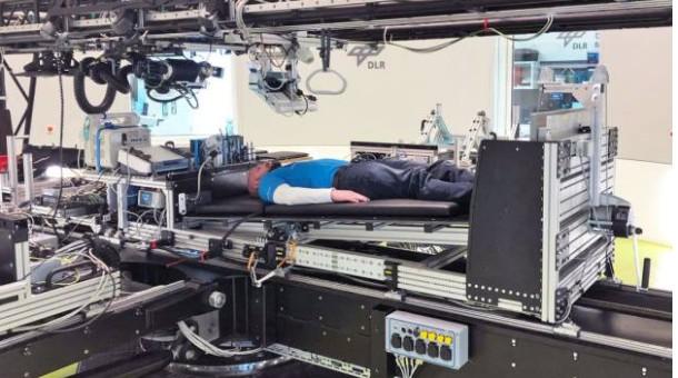 NASA хоёр сар орноос босолгүй хэвтэх хүнд $19,000-г төлнө